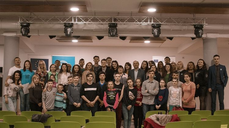 "Teachers and students of the School of Medicine - the organizers of the forum ""Vaccination - a step towards protection"""