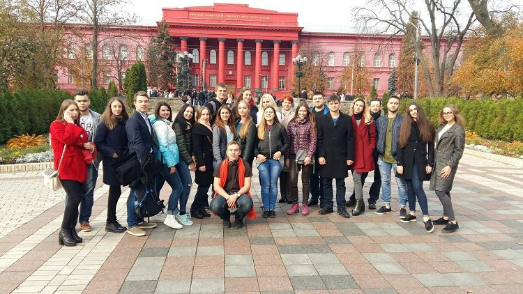 """Students of the School of Medicine visited the educational and research center """"Institute of Biology and Medicine"""" (Department of Medicine) of Taras Shevchenko National University of Kyiv"""