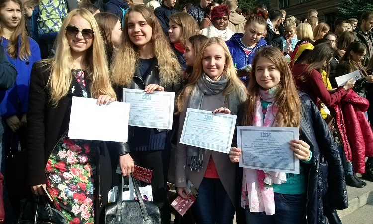 Students of the School of Medicine received IBM personal certificates