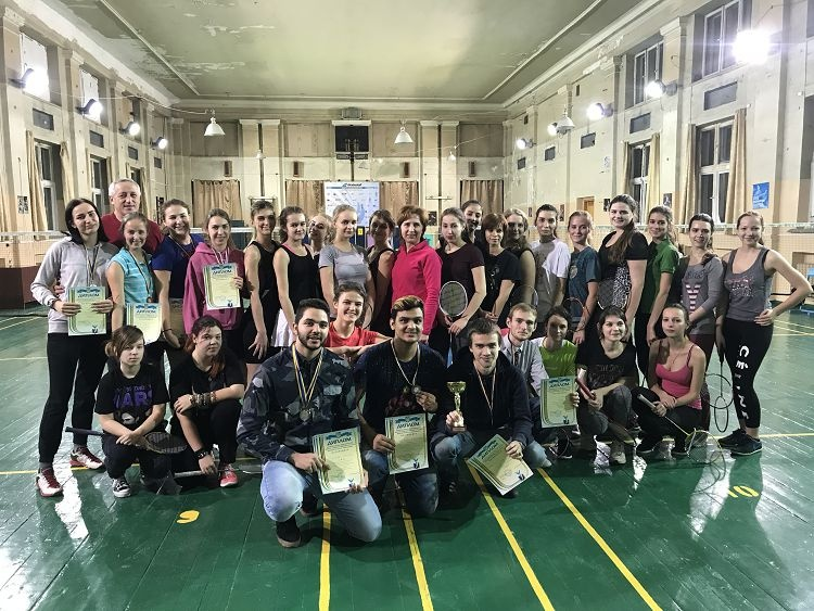 Students of the School of Medicine - winners of badminton competitions at the Spartakiad of the University