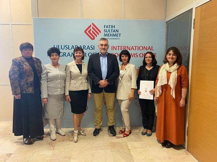 Викладачі кафедри загальної та клінічної патології пройшли міжнародне стажування в Університеті Фатіха Султана Мехмета (Туреччина)