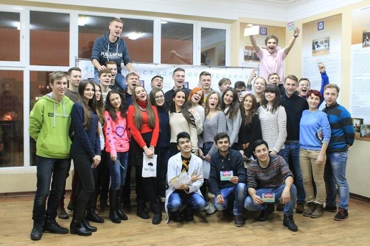 Студенти медичного факультету - організатори і учасники гри «Медичний квест»