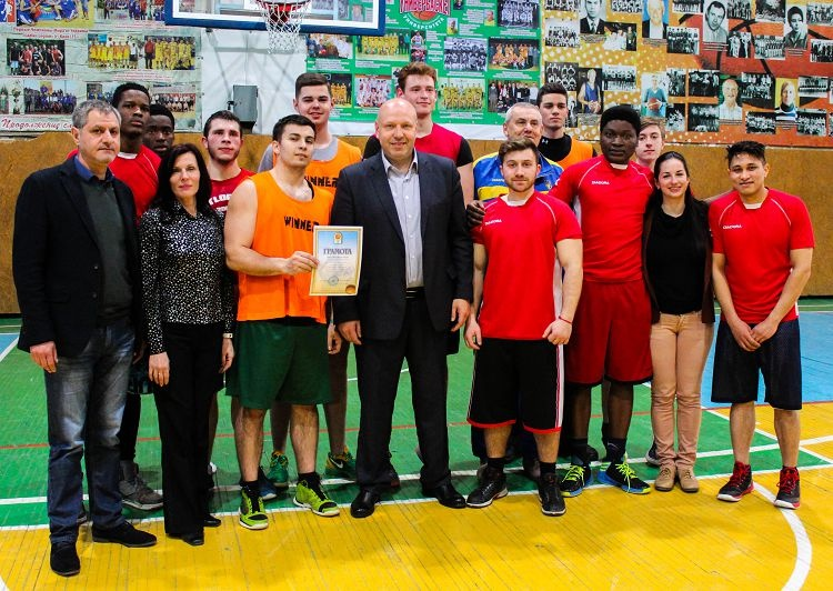 The male team in basketball of the School of Medicine is a silver medalist in competitions of the 67th Student Spartakiad