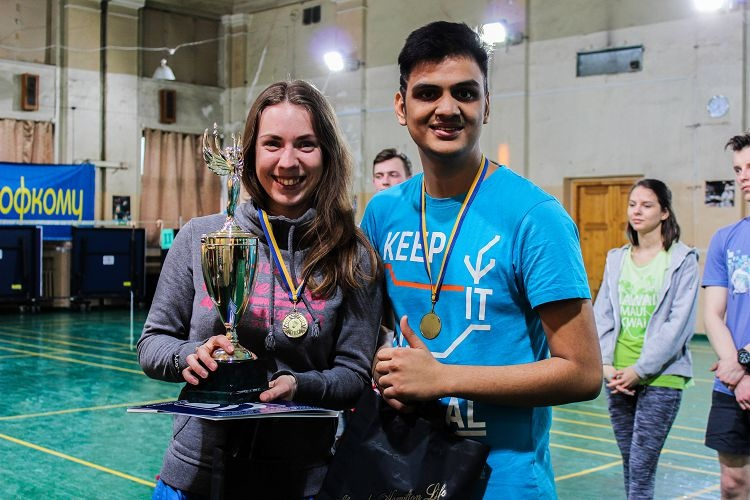 Students of the School of Medicine - winners in badminton competitions of the Student Trade Union Committee Bowl