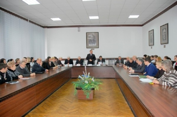 The website contains information about Academic Board of the School of Medicine of V. N. Karazin Kharkiv National University